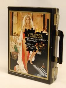 AP3216 Terri Welles Playboy Playmate Puzzle Vintage Suitcase AP3216 1